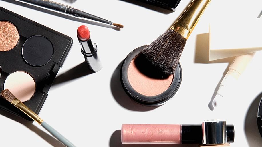 Empat Alat Kecantikan yang Tidak Seharusnya Dipakai Bergantian 157