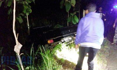 Hindari Bus, Pick Up Rombongan Pelayat Nyemplung ke Ladang 95