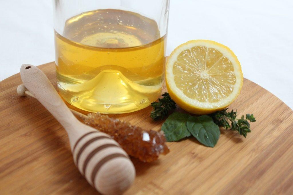 Tujuh Manfaat Dari Air Lemon Hangat 157