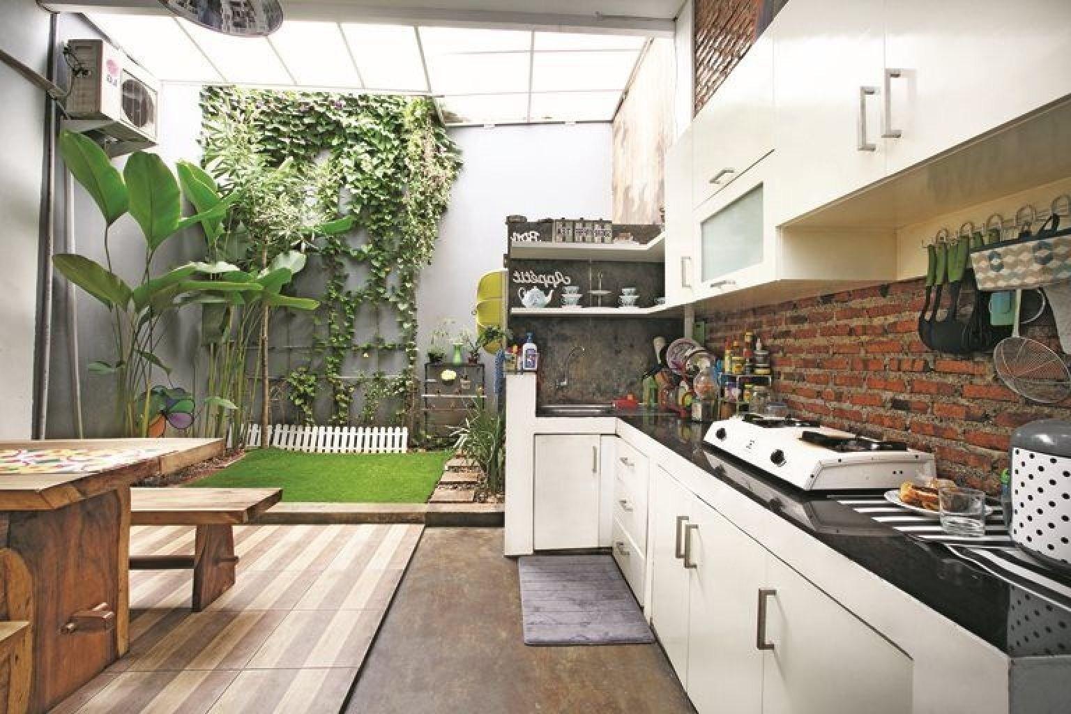 Enam Desain Dapur Kotor Nuansa Outdoor Pidjar Com
