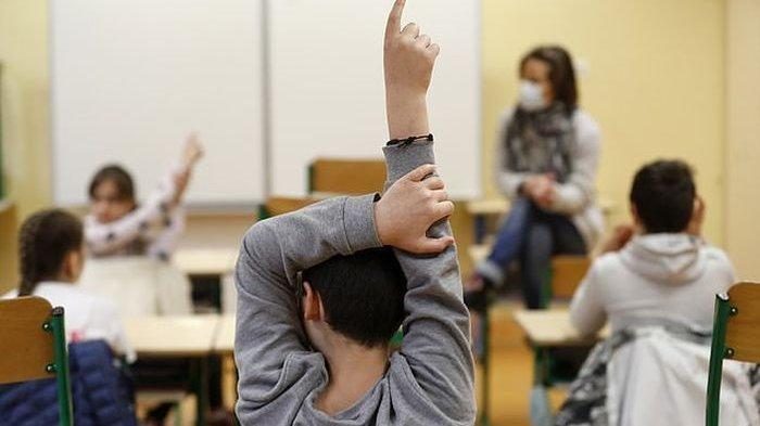 Psikiater : Empati Orang Tua Dibutuhkan Anak saat Sekolah Online 157