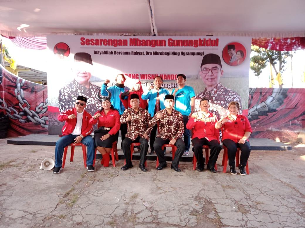 Foto Pengurus Partai Gelora saat memberikan dukungan kepada pasangan Bambang Wisnu-Benyamin