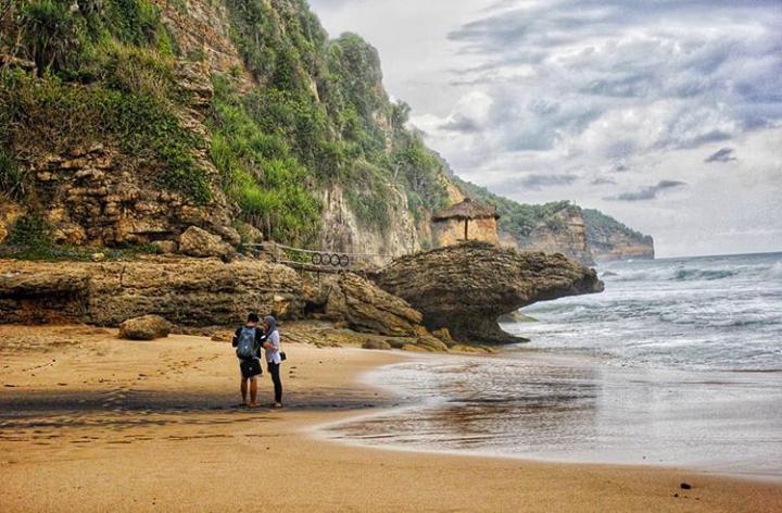 Menikmati Panorama Pantai Seruni yang Belum Banyak Dikenal Wisatawan 157