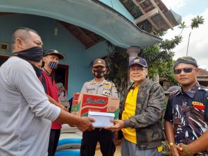 Cerita Siswanto yang Tertimpa Reruntuhan Rumah Saat Puting Beliung Terjang Kedungranti 187