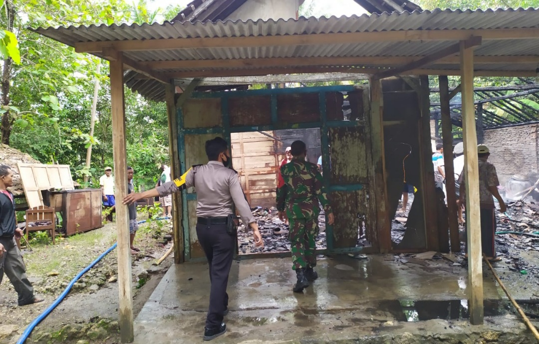 Ditinggal ke Ladang, Rumah Mulyadi Hangus di Lalap Si Jago Merah 157