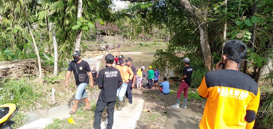 Tinggalkan Rumah Tanpa Pamit, Warga dan Relawan Sisir Sungai Untuk Mencari Waliyem 157