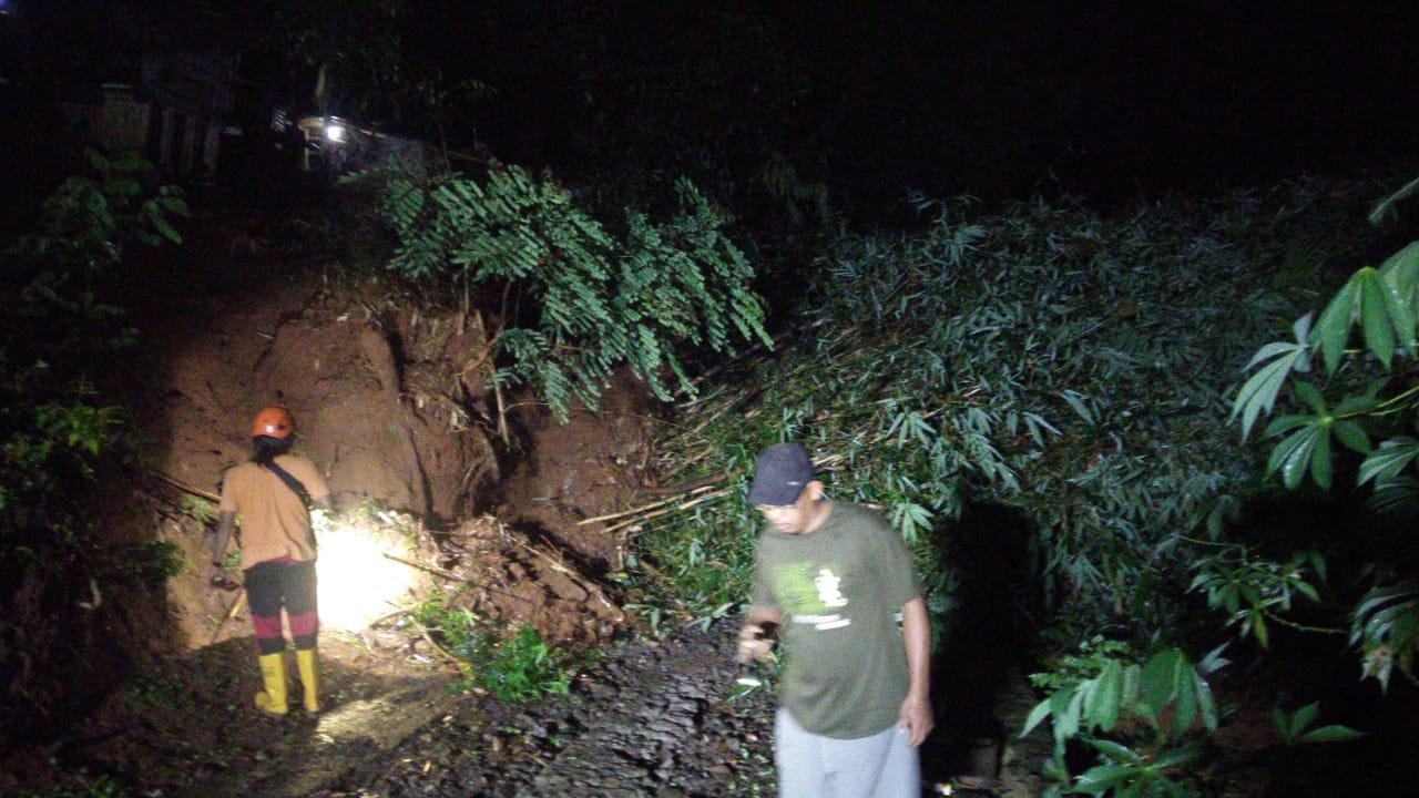 Longsor di Widoro Wetan, Puluhan Warga Terisolir 157