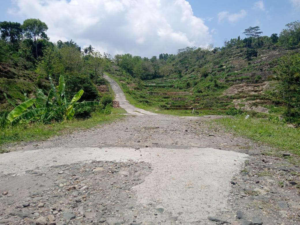 Jumlah Kunjungan Terus Menurun, Jalan Menuju Gunung Gambar Butuh Perbaikan 157