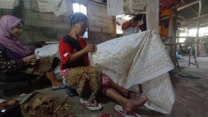 Suka Duka Sriyanti, Menjadi Pengrajin Batik Tulis Sejak 1965 164