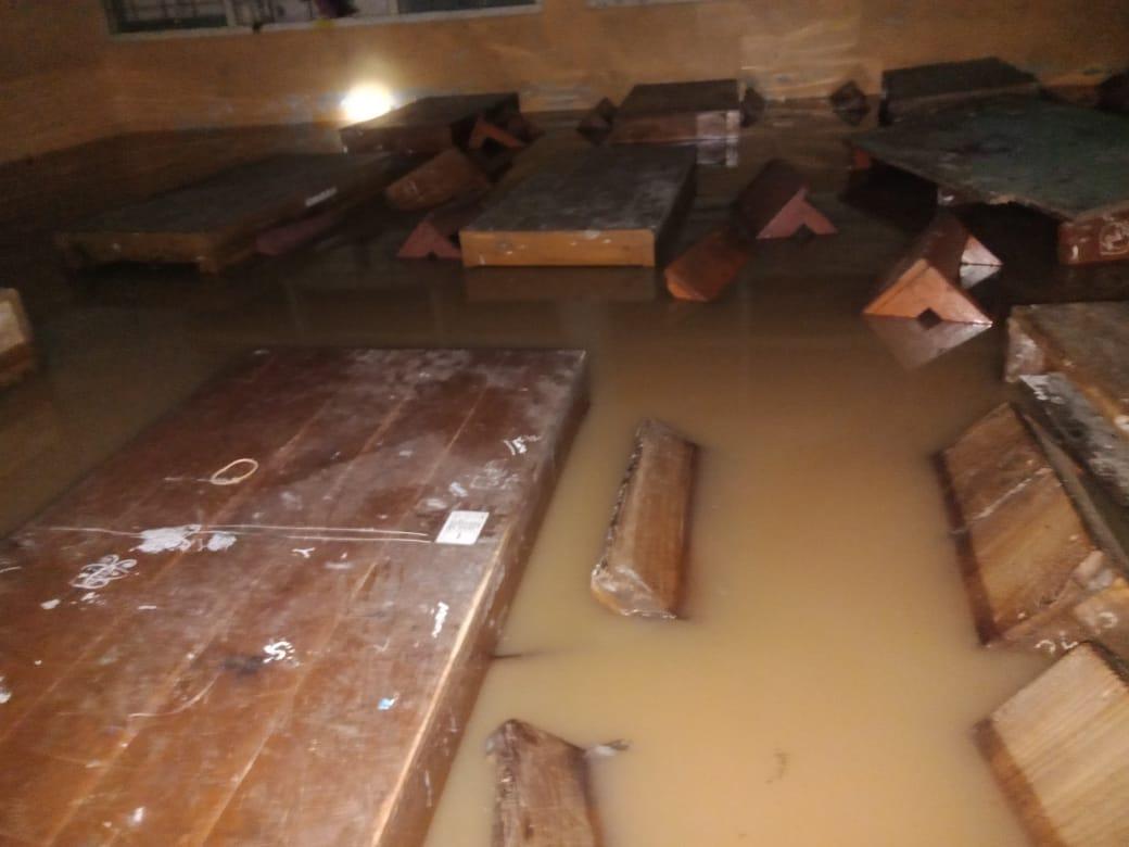 Belasan Bangunan di Girisubo Terendam Banjir, Satu Jembatan Putus 157