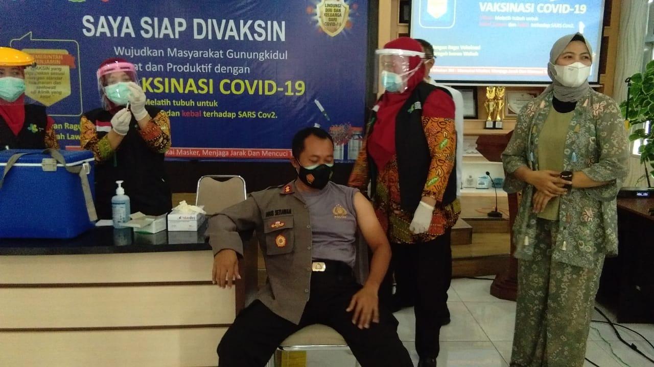 Cerita Kapolres Gunungkidul Sebelum Divaksin, Sempat Gugup hingga Harus Datangkan Dokpol 157