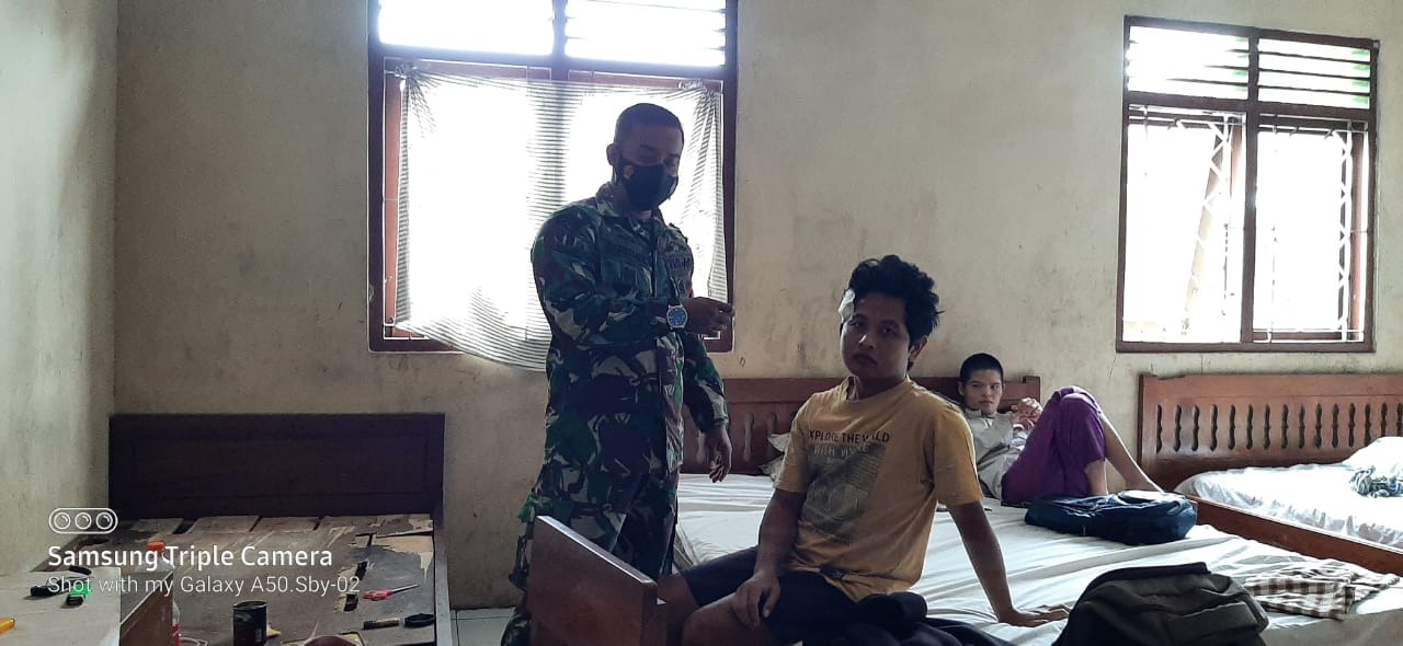 Atap SLB Roboh, Seorang Siswa Asrama Terluka 157