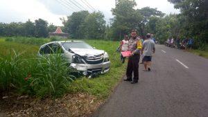 Dua Kecelakaan Libatkan Mobil vs Motor di Jalanan Gunungkidul, 2 Orang Alami Luka Serius 179