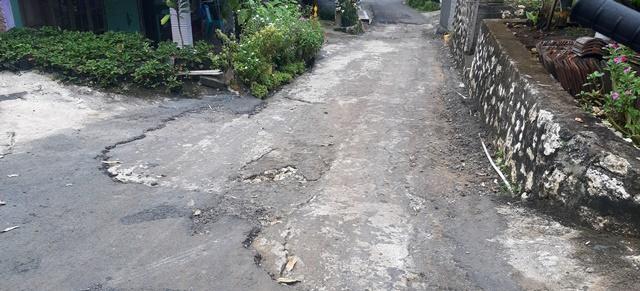 Proyek Jalan Anyar Rusak Parah, Lurah Sebut Karena Air Hujan 157