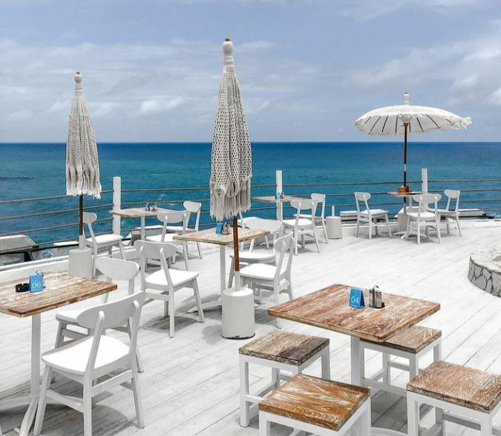 Mengunjungi South Shore, Pool and Bar Atas Bukit dengan View Pantai Bak Santorini di Gunungkidul 182